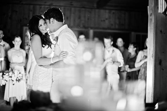 bonnieview-inn-wedding-first-dance