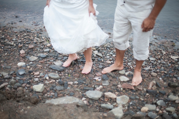 feet-beach-wedding-kashagawigamog