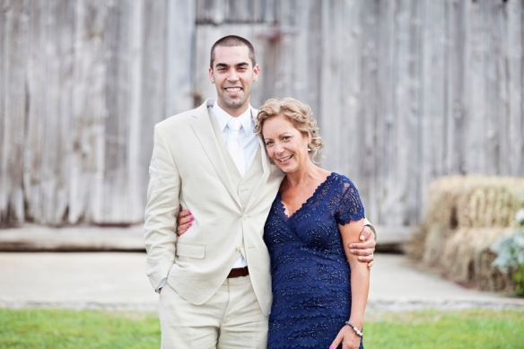 groom-wedding-barn-haliburton