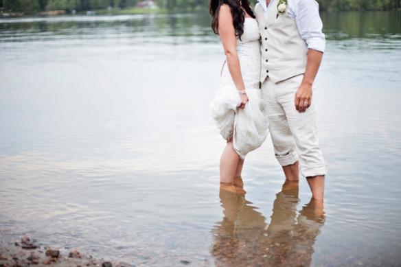 lake-bridal-wedding-haliburton