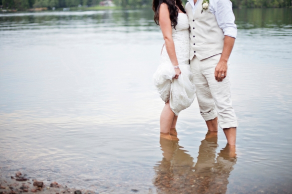 lake-bridal-wedding-haliburton