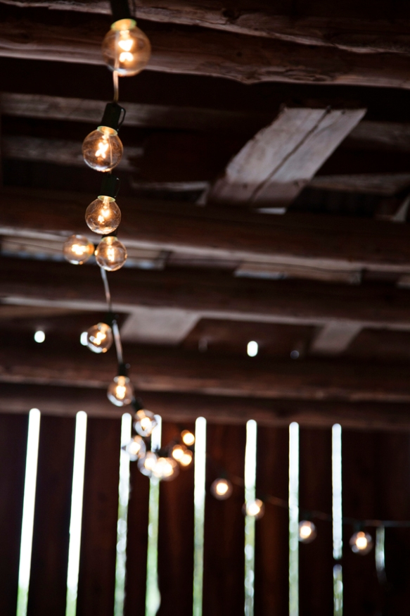lights-barn-wedding