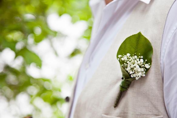 linen-groom-wedding