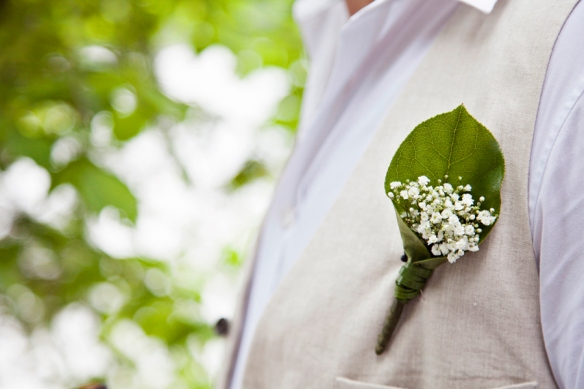 linen-groom-wedding