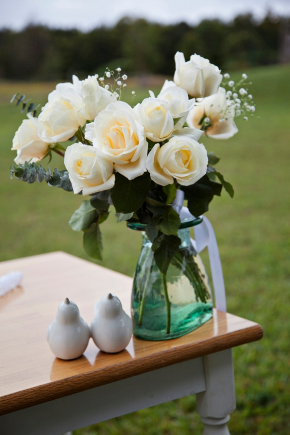roses-white-wedding-haliburton